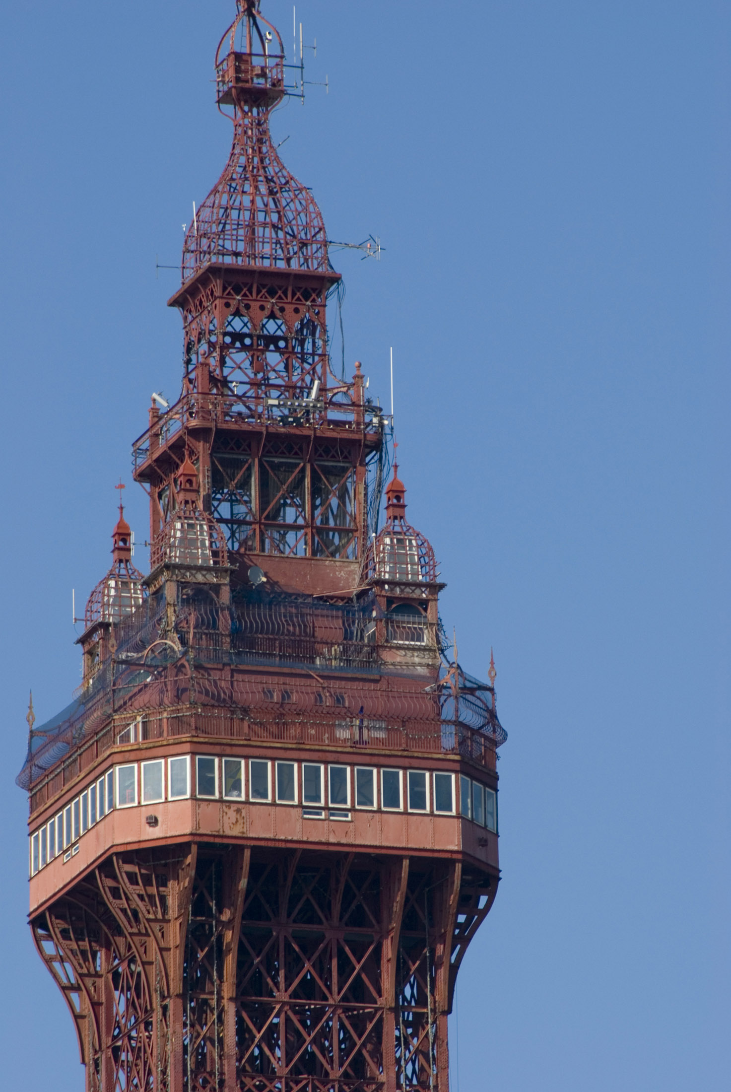 a zoom image of the top of blackpools famous tower