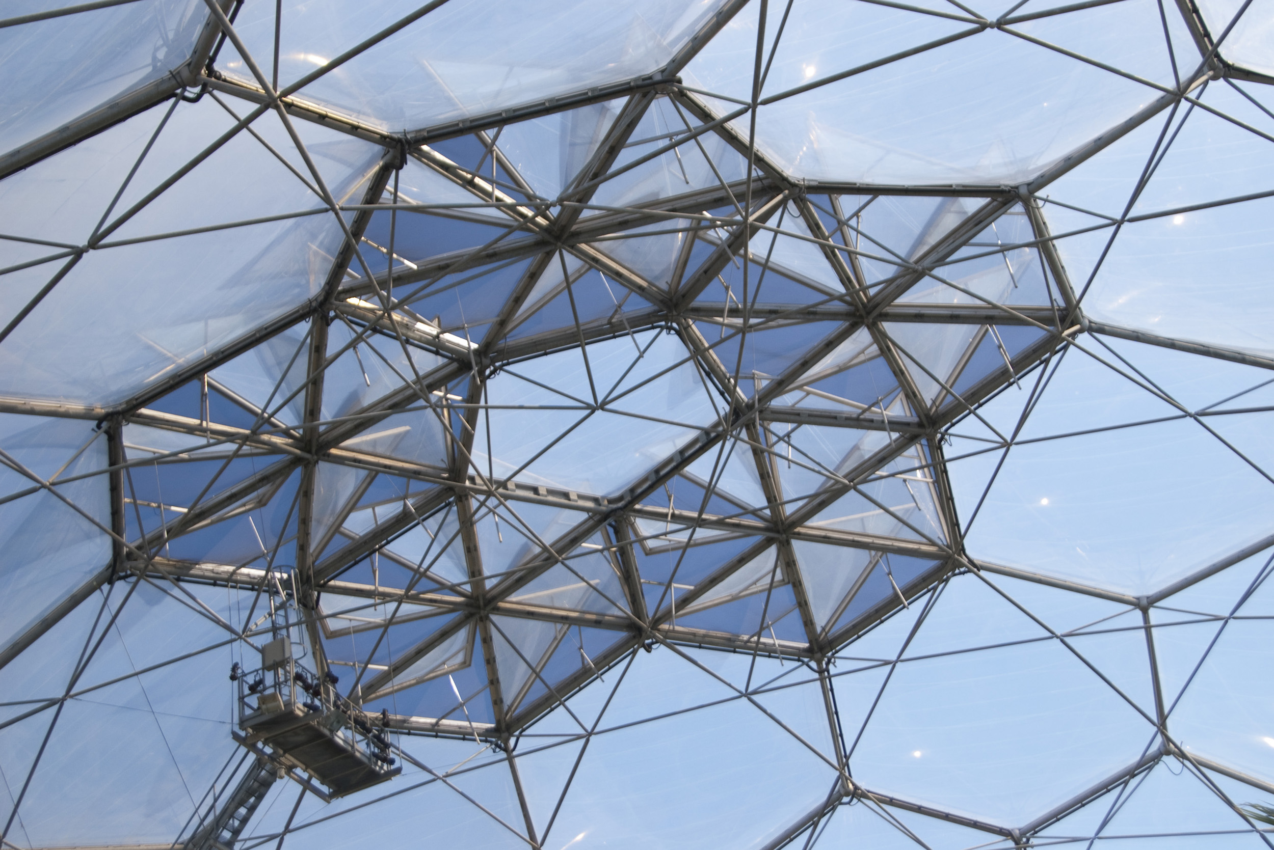 the roof of one of the eden project domes