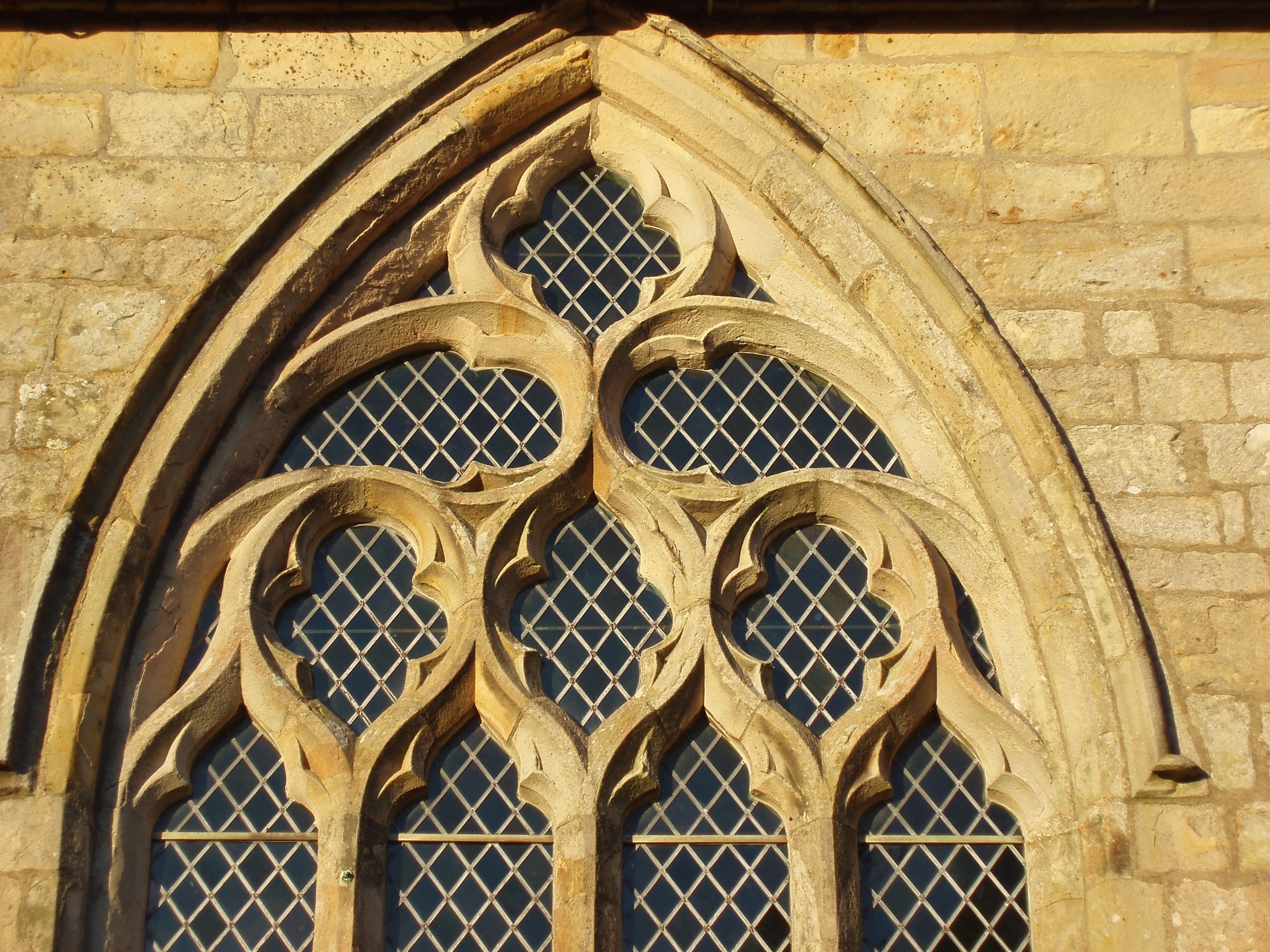 window details on cartmel priory