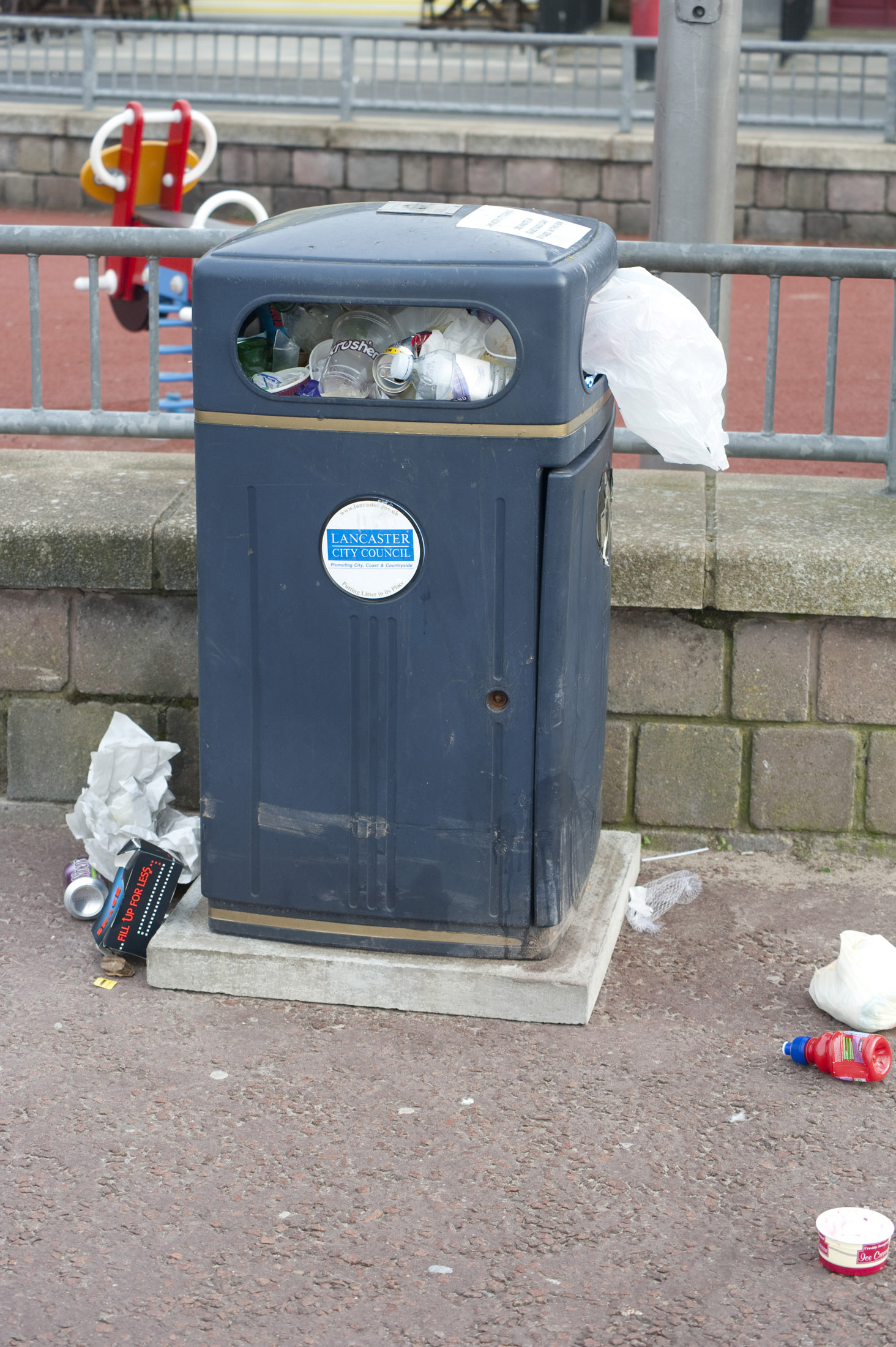 another overflowing litter bin on morecambe seafront, if the town is uncharacteristically clean for some reason these have been provided to tempt visitors to simply not bother keeping it that way thus restoring equilibrium