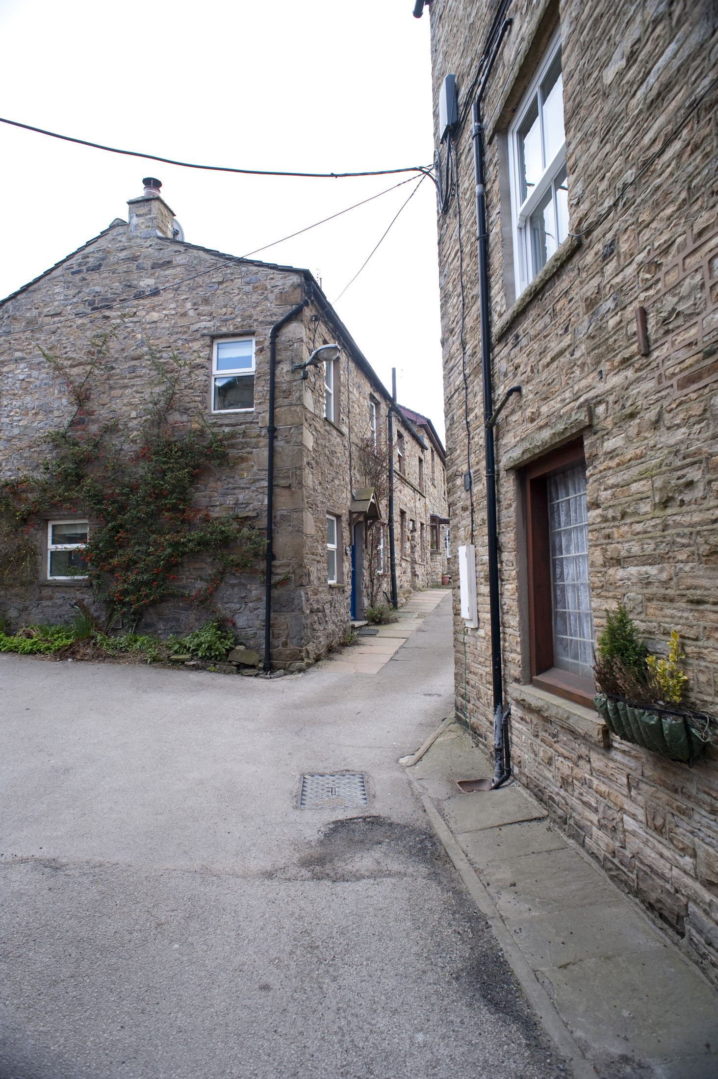 narrow streets in the yorkshire village of hawes
