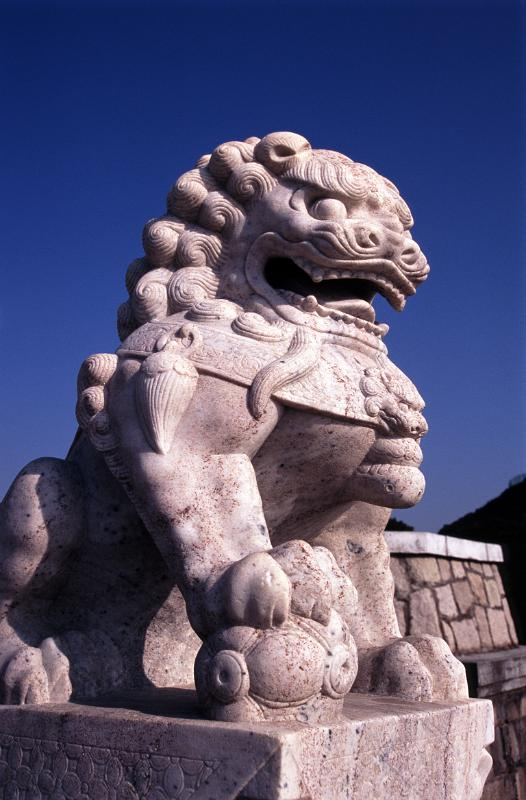 free stock photo of lucky chinese lion sculpture