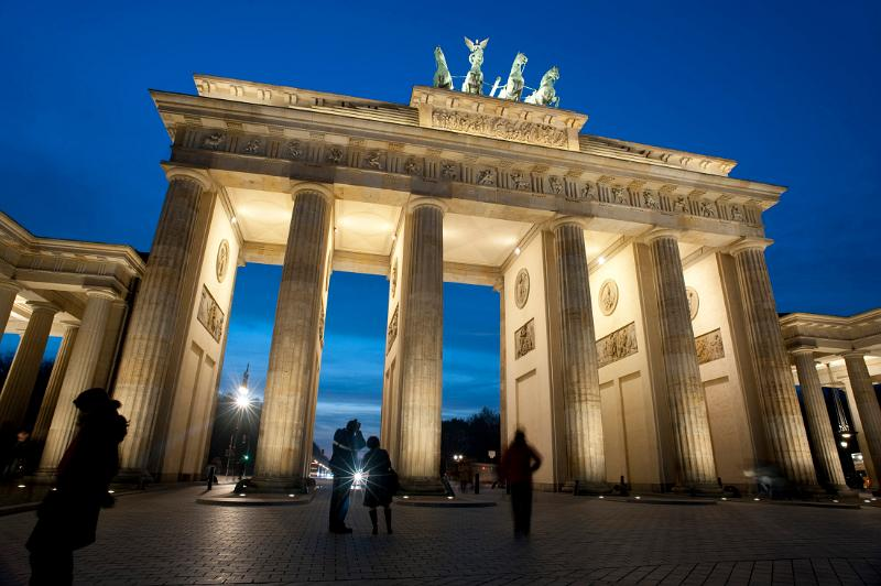 brandenburg gate at night - photo #21