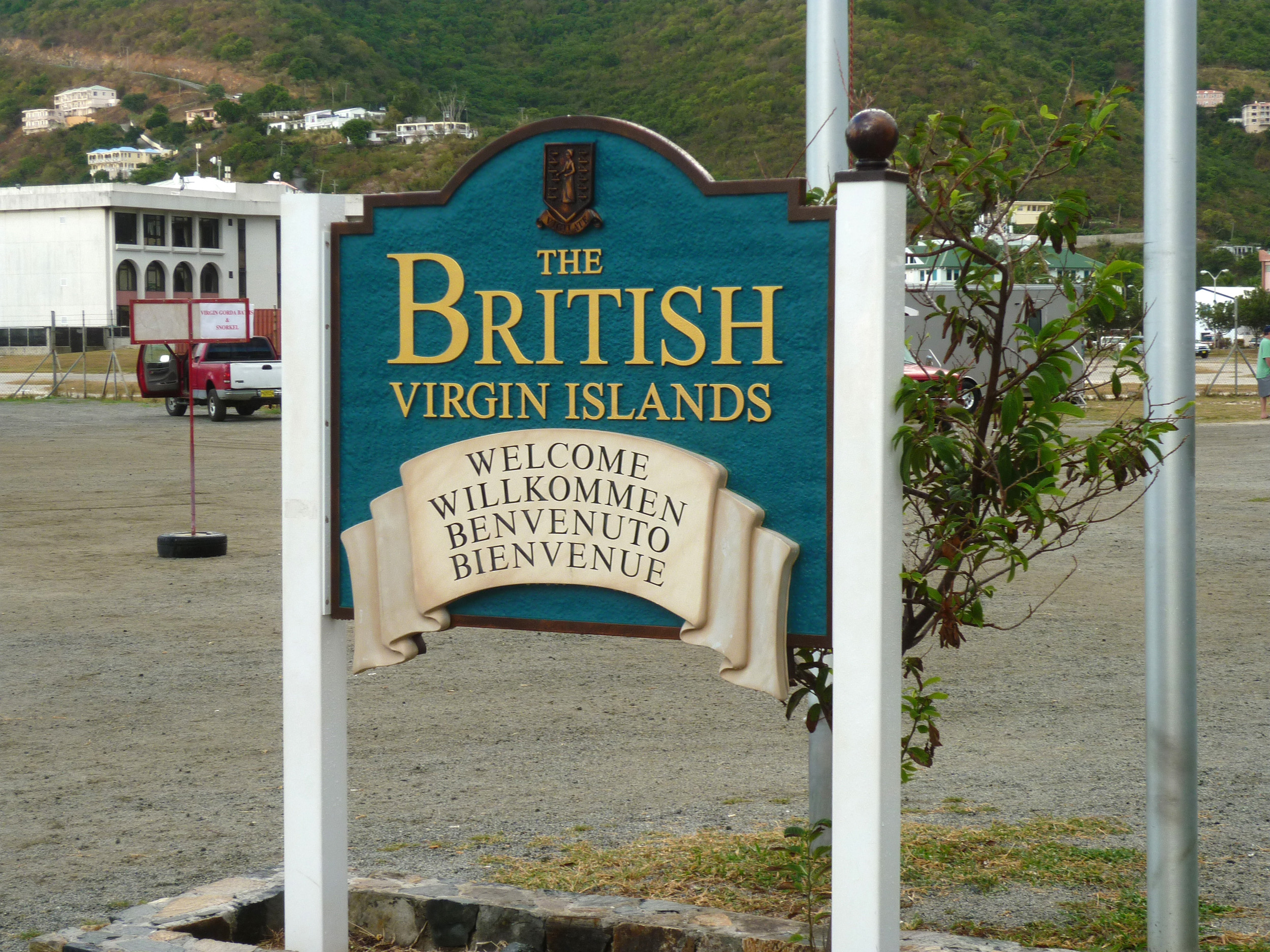 a sign welcoming visitors to the british virgin islands