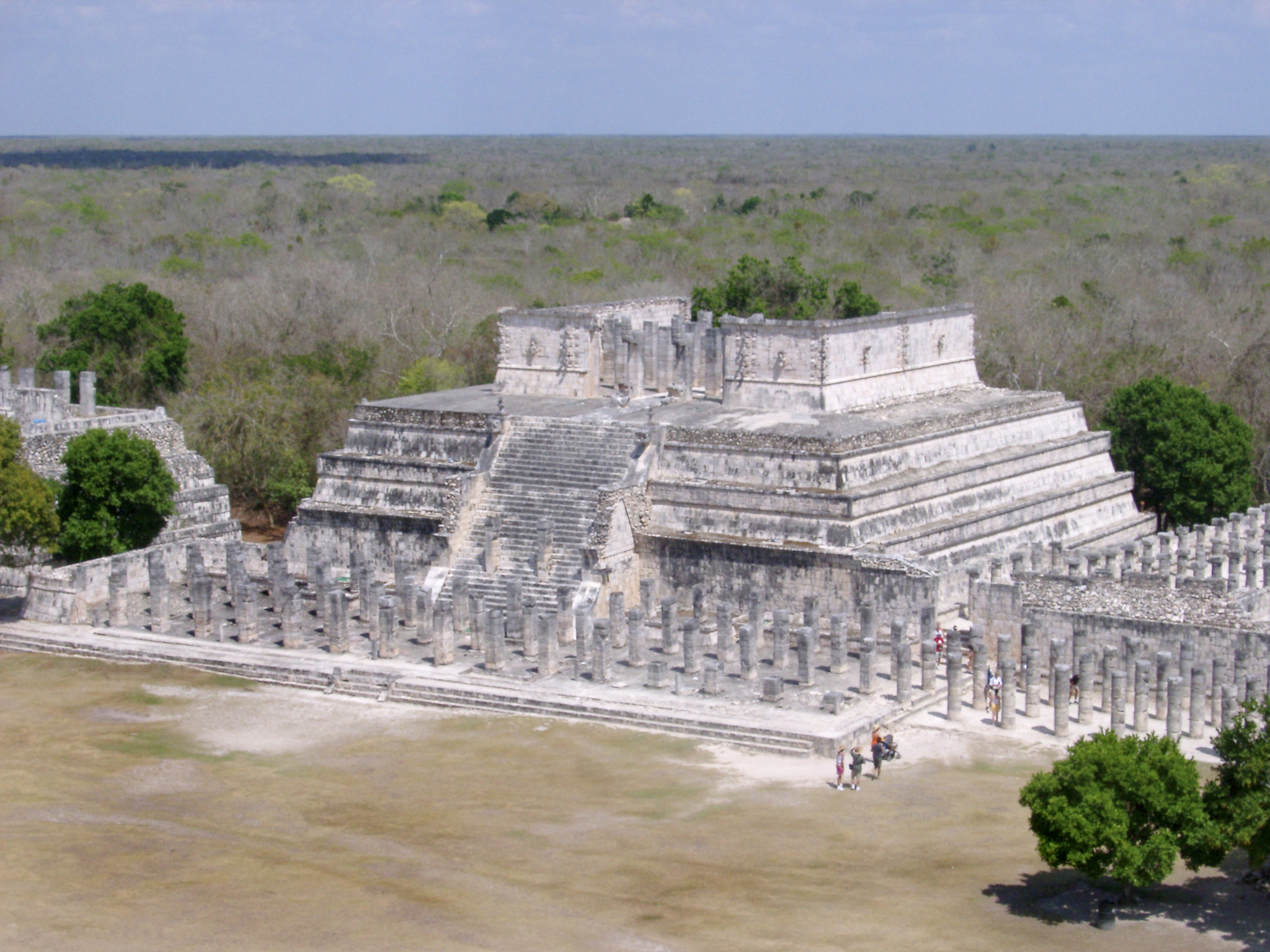 Temple of the Warriors, Chitzen Itza, the site of important archaeological Mayan ruins in the Yucatan Peninsula, Mexico