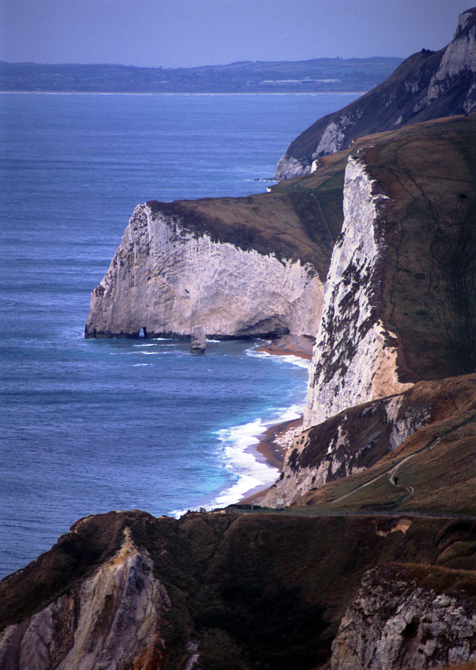 white chalk limestone cliffs, jurassic coast near durdle door, lulworth, dorset