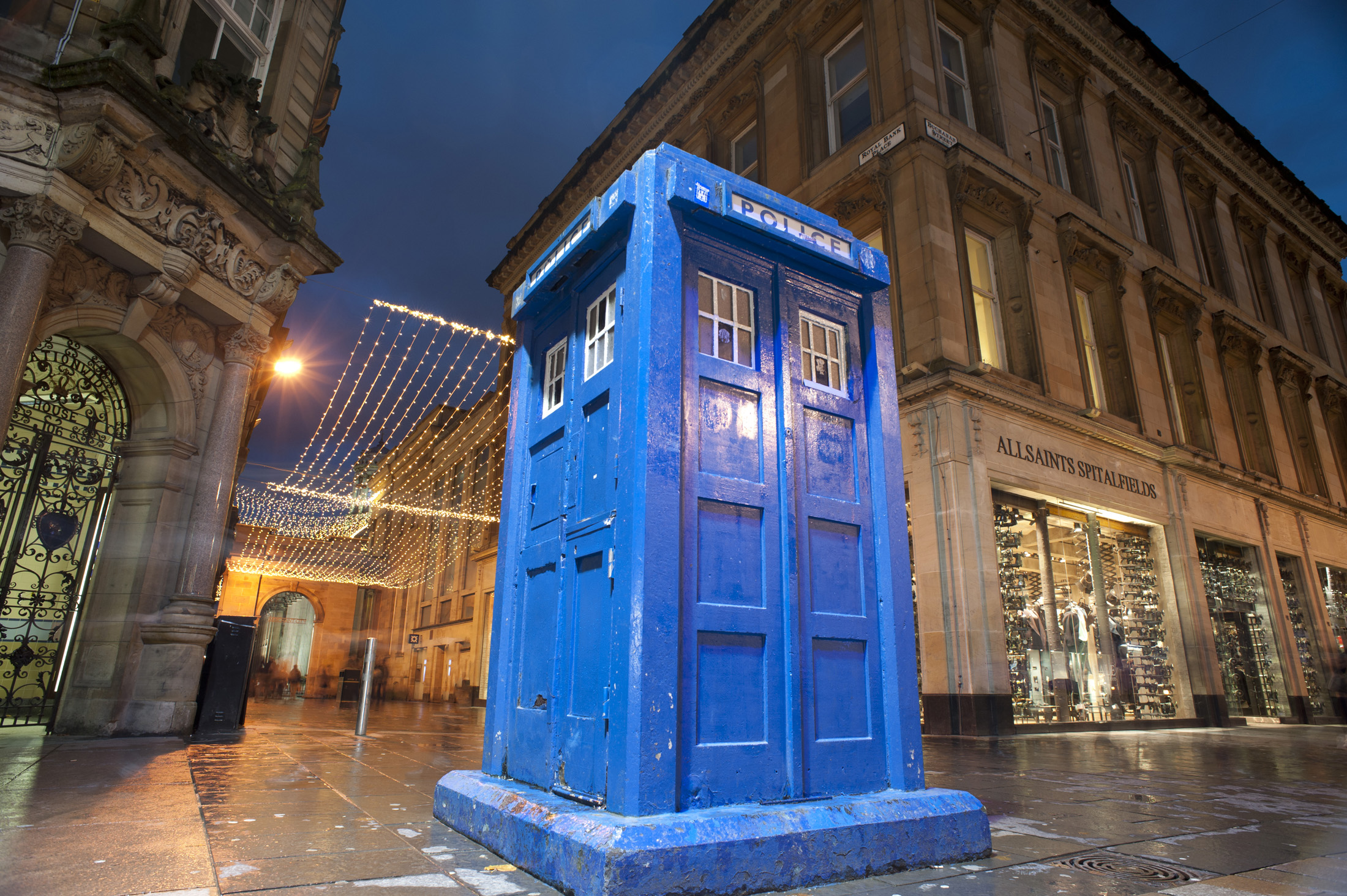 buchanan street police box, one of few remaining historic spolice call boxes in the UK