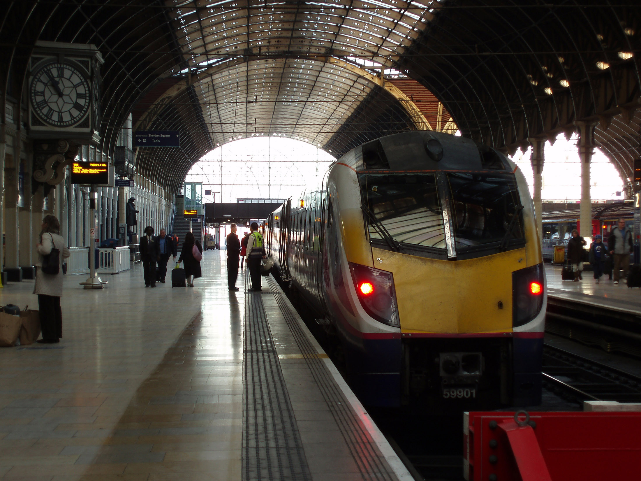 Free Stock Photo Of Train At The Platform In Paddington